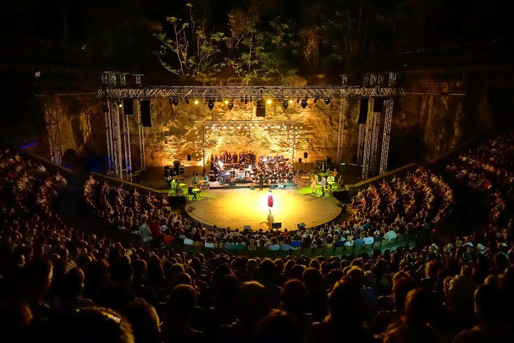 """Espectacle """"Swing Broadway"""" al Teatre Grec dins del Festival Grec"""