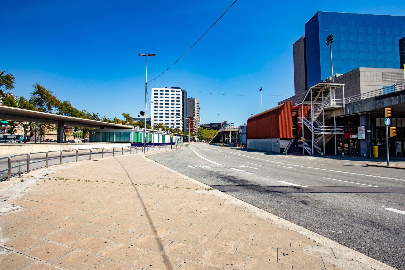 Estació d'autobusos de Sants Estació sense viatgers ni autobusos. Districte de Sants-Montjuïc. Barri de Sants.
