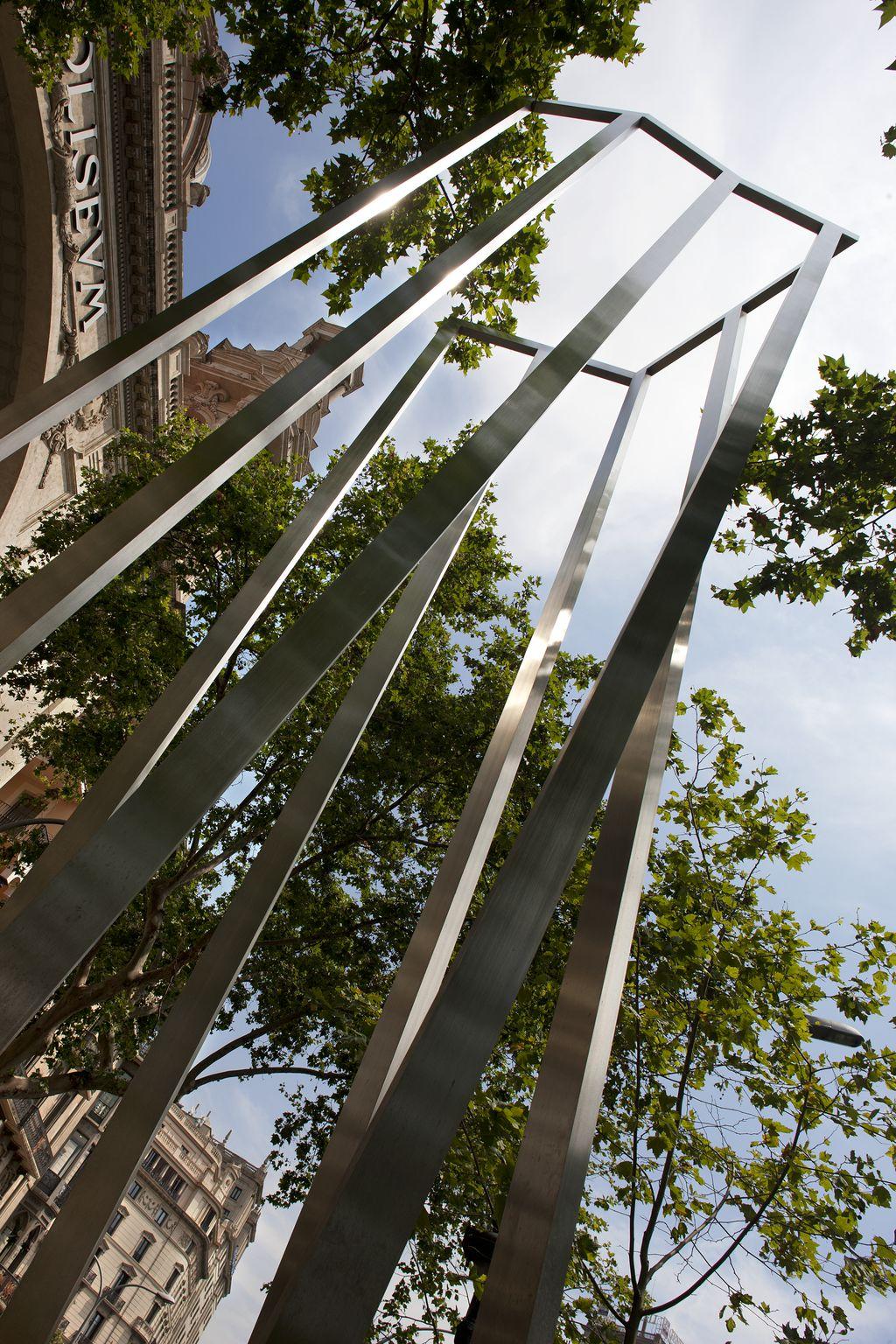 Monument a les víctimes dels bombardejos
