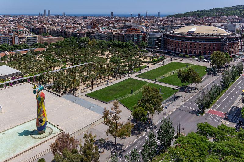 <div class='imageHoverDetail'>              <p class='imageHoverTitle twoLineBreak'>Vista aèria del parc de Joan Miró i del centre comercial </p>              <p class='imageHoverAutor oneLineBreak'>Autor: AL PHT Air Picture TAVISA</p>              <button class='imageHoverBtn'>Mostra els detalls de la imatge <span class='sr-only'>Vista aèria del parc de Joan Miró i del centre comercial </span></button>              </div>